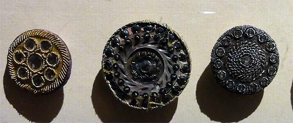 Les boutons, accessoires de mode au XVIIIe siècle 21100