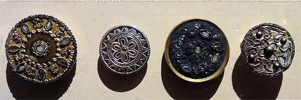 Les boutons, accessoires de mode au XVIIIe siècle 2229