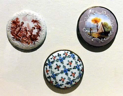 Les boutons, accessoires de mode au XVIIIe siècle 2413