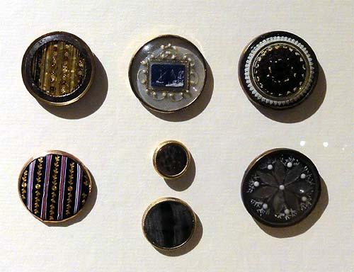Les boutons, accessoires de mode au XVIIIe siècle 3180