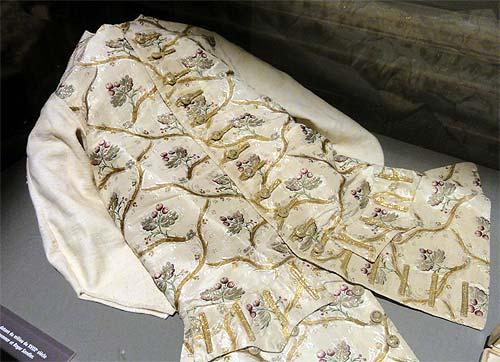 Les boutons, accessoires de mode au XVIIIe siècle 3211