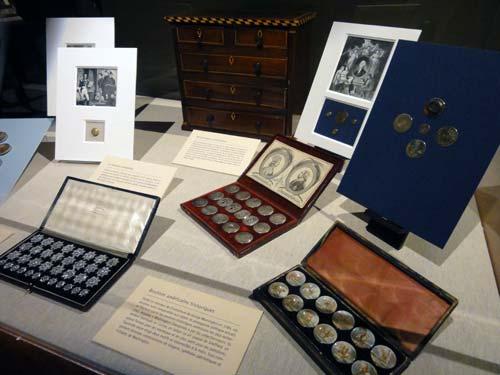 Les boutons, accessoires de mode au XVIIIe siècle 3410