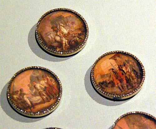 Les boutons, accessoires de mode au XVIIIe siècle 3610