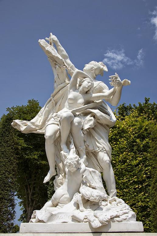 La statuaire dans les jardins de Versailles 473