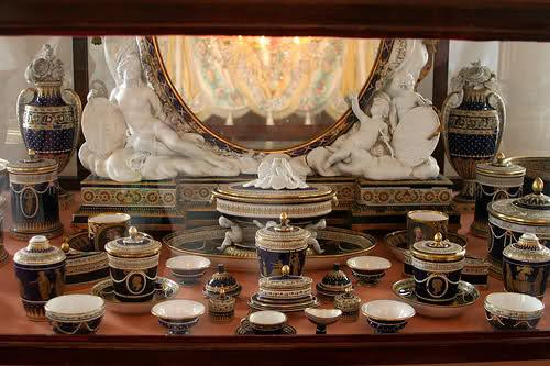 1782, Marie-Antoinette offre à  Maria Feodorovna un service de toilette en Sèvres 5127