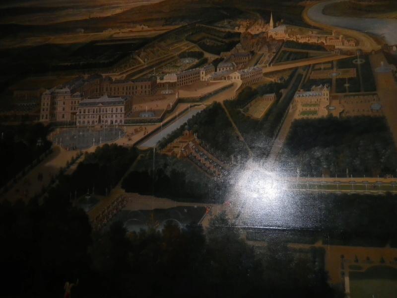 Exposition : Visiteurs de Versailles 1682-1789 - Page 3 Imgp0412