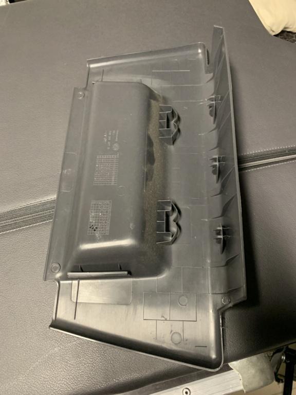 Cache plastique de siège avant VW T5 multivan Image011