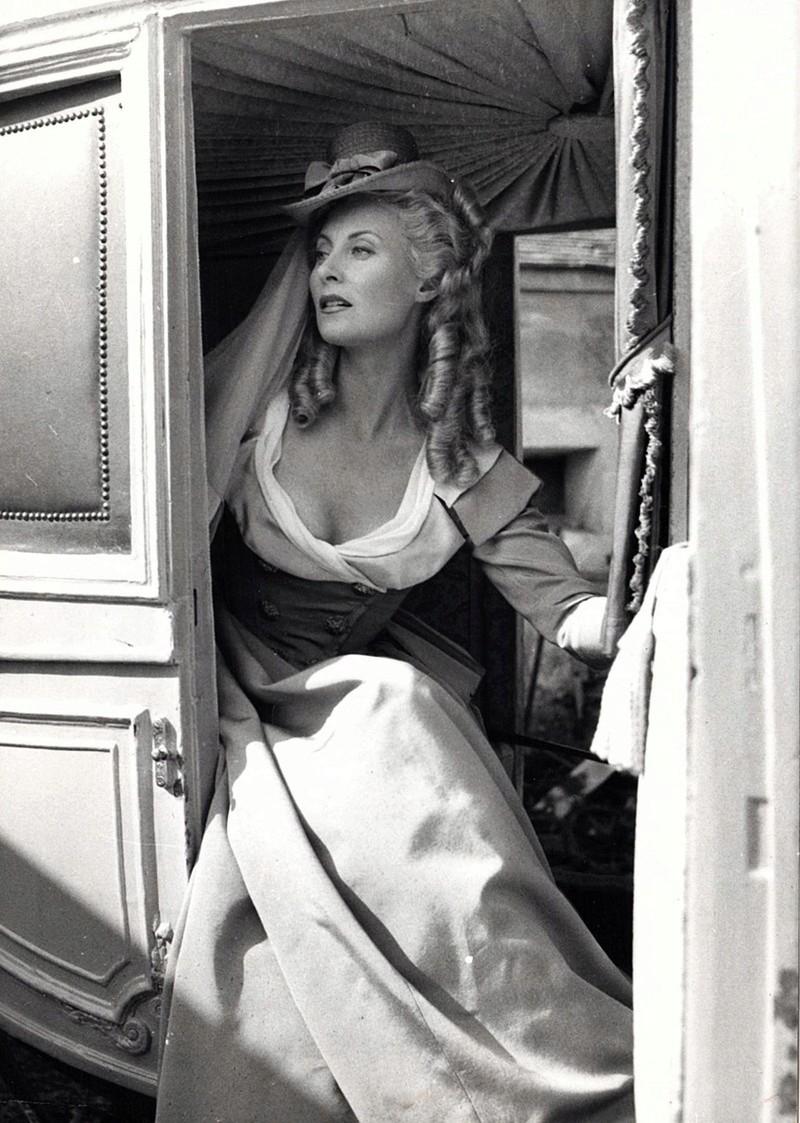 Marie Antoinette avec Michèle Morgan (Delannoy) - Page 11 23610