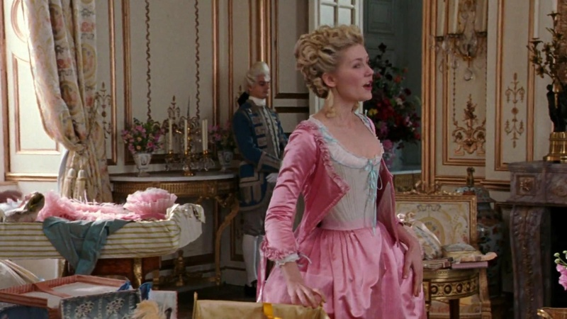 Marie Antoinette avec Kirsten Dunst (Sofia Coppola) - Page 5 Ee72f510