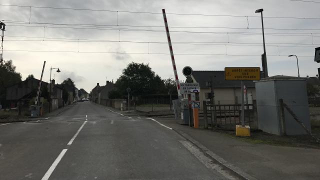 Loire-Atlantique. Collision train-voiture: un automobiliste tué En-may10