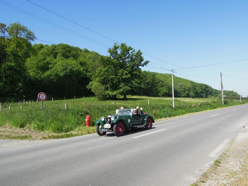tour de Bretagne des vehicules anciens 2018 Iuyp_040