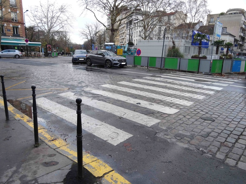 Place Jules Guesde - Page 3 Dsc05247