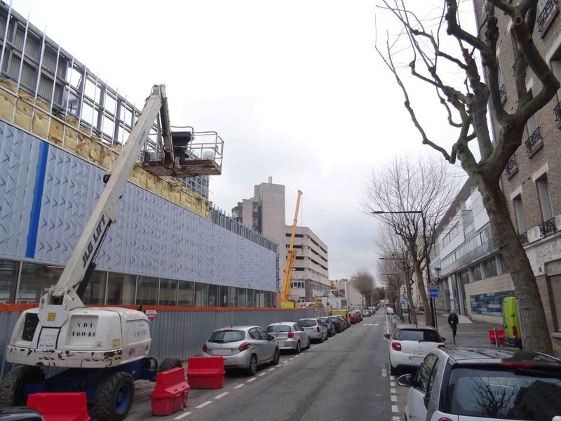Rue Yves Kermen Dsc05529