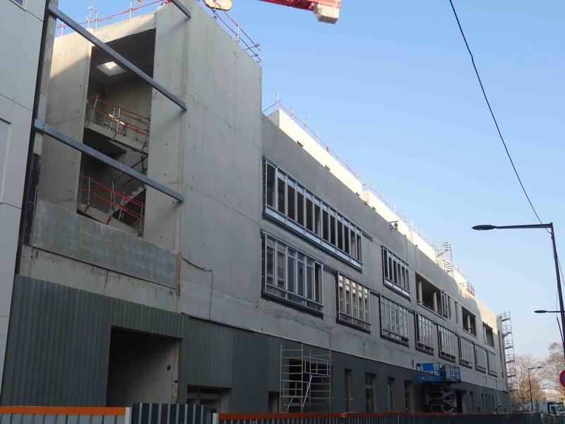 Photos du lycée - Page 2 Dsc06052