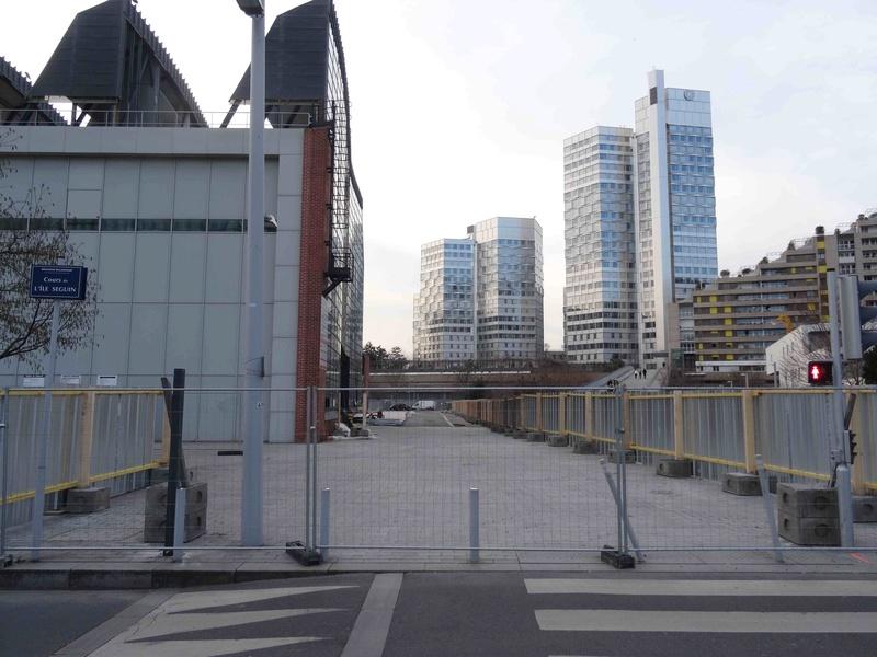 Immeuble Métal 57 (Ex Square Com - 57 Métal) - Page 3 Dsc06443