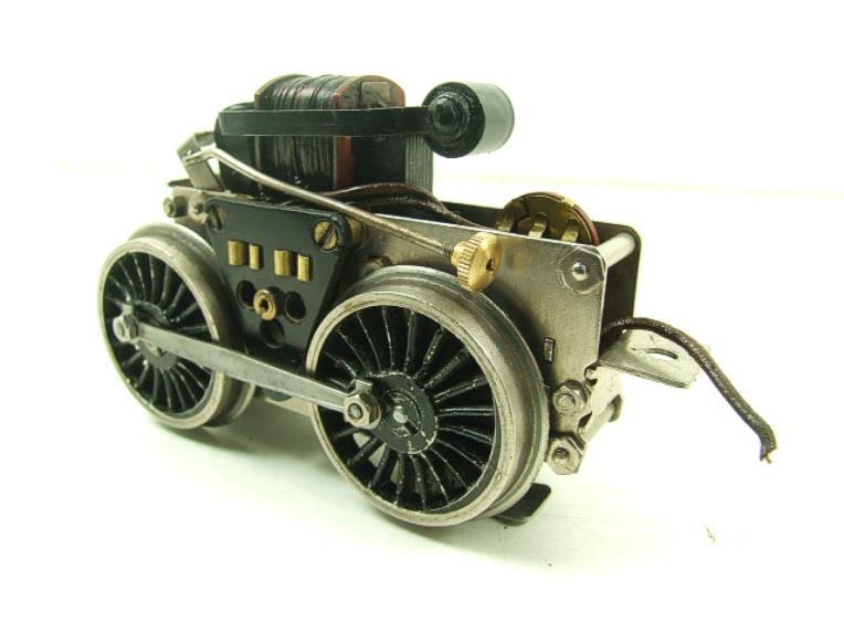 Fixation d'un moteur électrique pour une 221. Fixati11