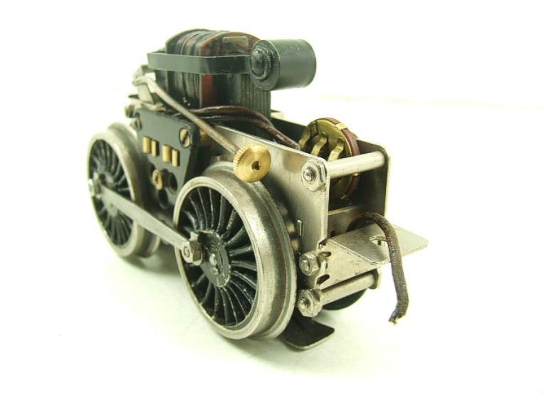 Fixation d'un moteur électrique pour une 221. Fixati12