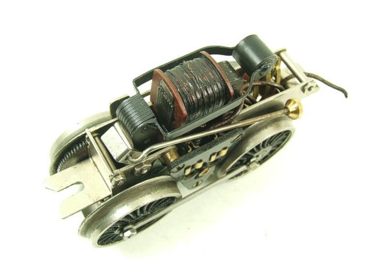 Fixation d'un moteur électrique pour une 221. Fixati13