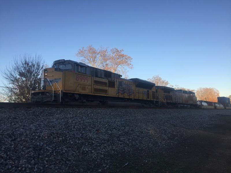 Railfanning meets 5ba56a10