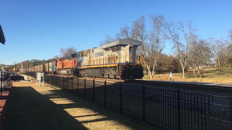 Railfanning meets 7a008a10