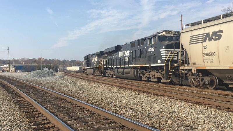 Railfanning meets 7be1c310