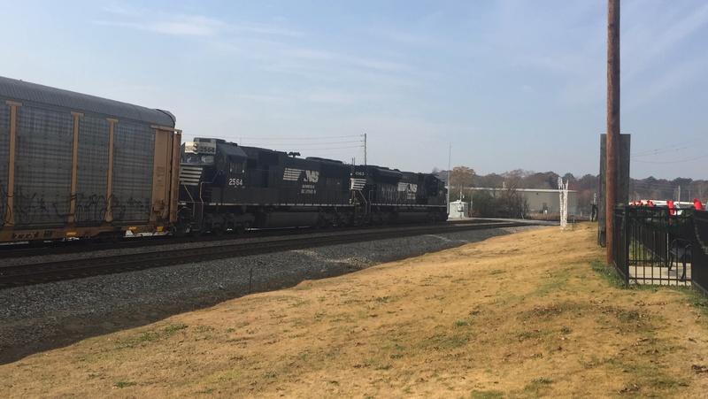 Railfanning meets Dcd5c110