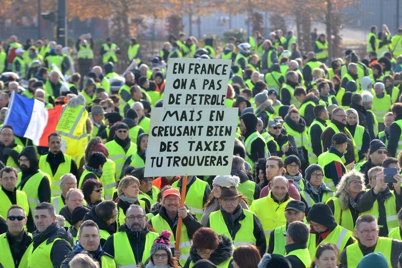 La France qui gronde - Page 2 Iudm1l10