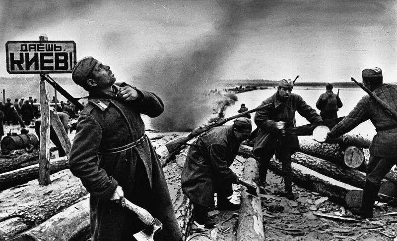 LFC : 16 Juin 1940, un autre destin pour la France (Inspiré de la FTL) - Page 6 Dayosh10