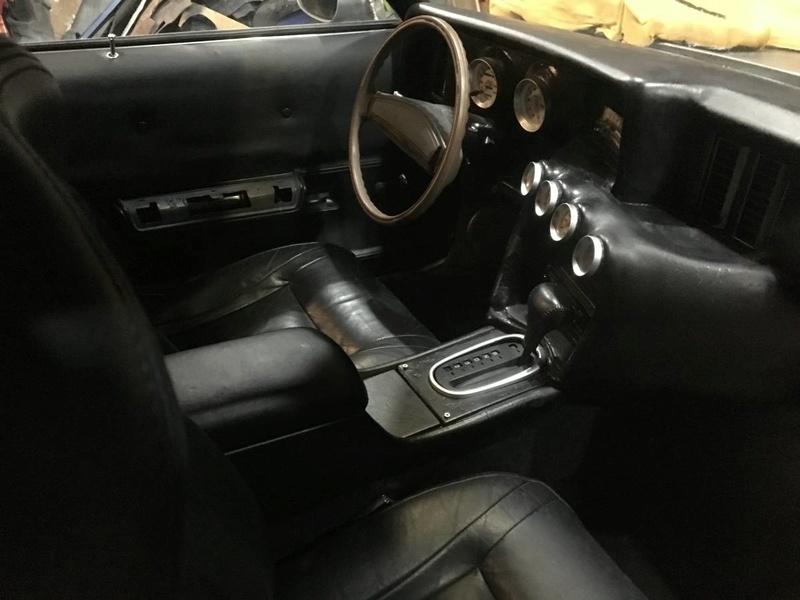 Interesting interior Caddyi11