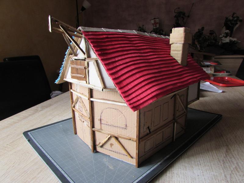 La maison est en carton, les escaliers... un batiment pour pas cher. Img_5616