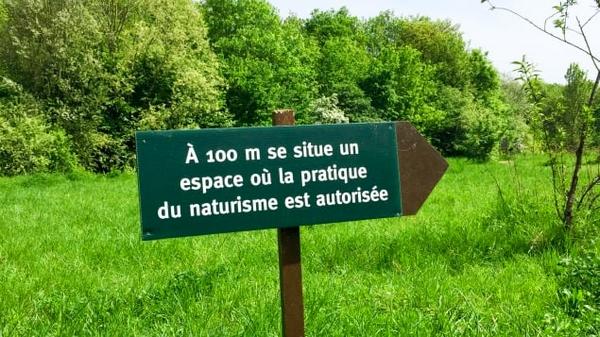 Pour avoir un parc avec un espace nudiste, je suis prêt à Naturi10