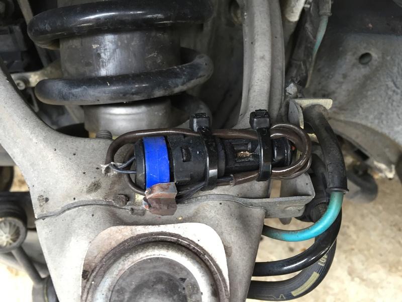 [3200 GT / 4200 / GranSport] Les plaquettes de frein - Page 2 Img_7210