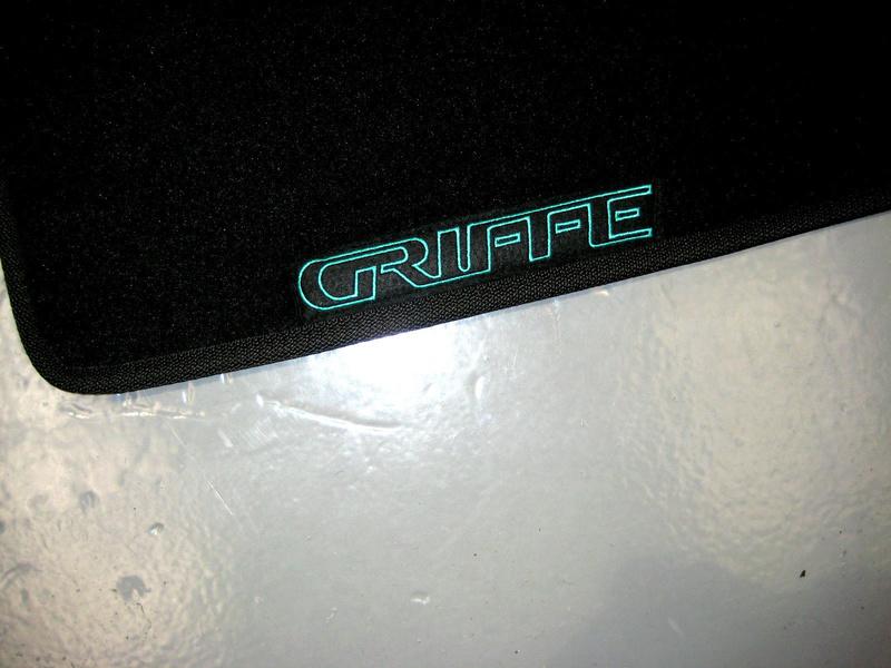Nouveau partenariat Tapis de sol - Ambassador Car Mat Griffe13