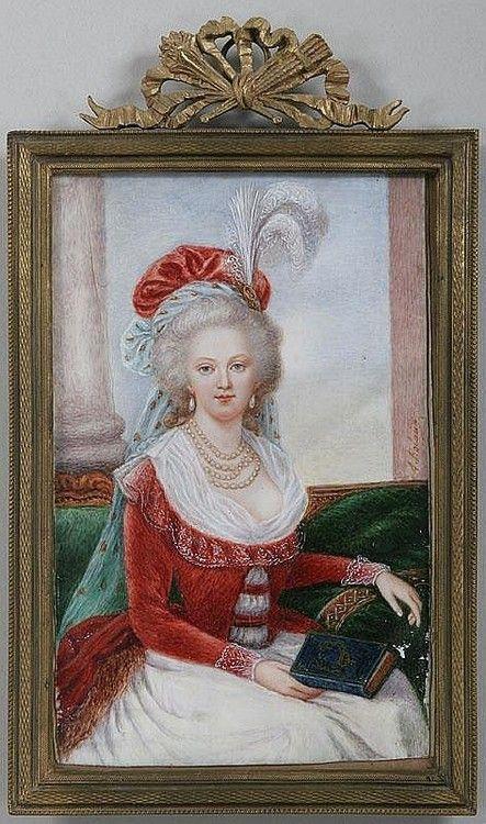 Marie-Antoinette en robe rouge sans ses enfants - Page 2 Fa391310