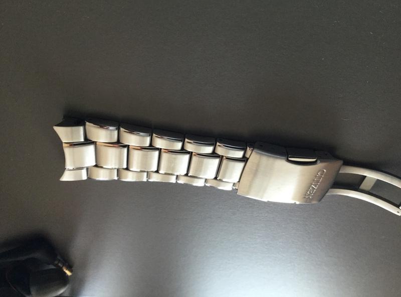 heyyy j'ai besoin d'un coup de main les Fameurs , bracelet Acier K-05 - Page 2 8ffb0a10