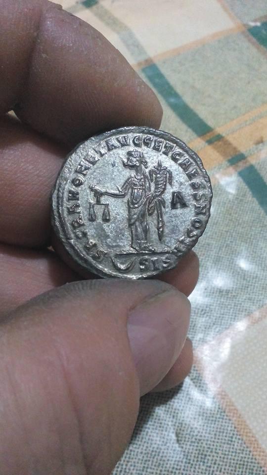 Follis de Diocleciano. Limpieza del antes y después 24296711