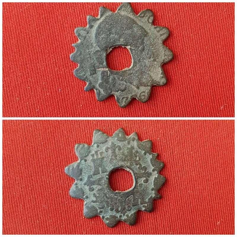 Monedas dentadas 27973810