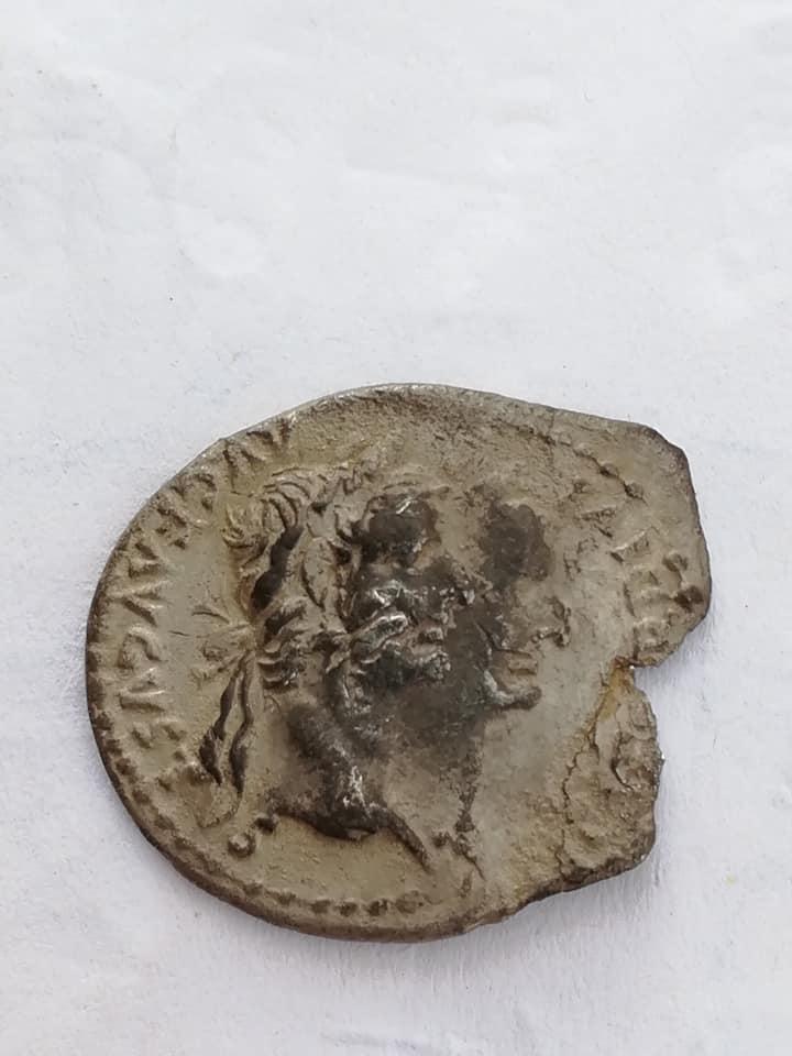 Denario de Tiberio con doble acuñación 28958510