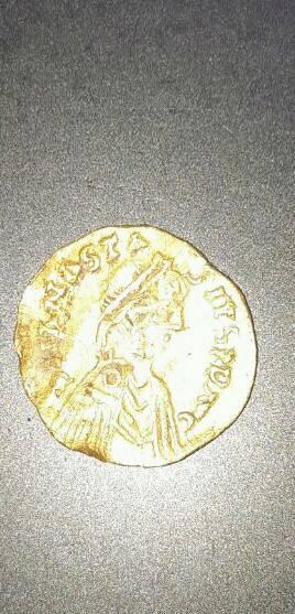 Me podrian informar sobre esta moneda?? No estoy familiarizado con este tipo de monedas .tambien desconozco su valor.  31117410