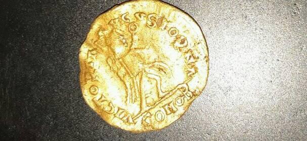 Me podrian informar sobre esta moneda?? No estoy familiarizado con este tipo de monedas .tambien desconozco su valor.  31124410
