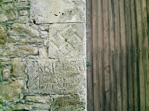 Note sur les croix rupestres des corbières Jd500410