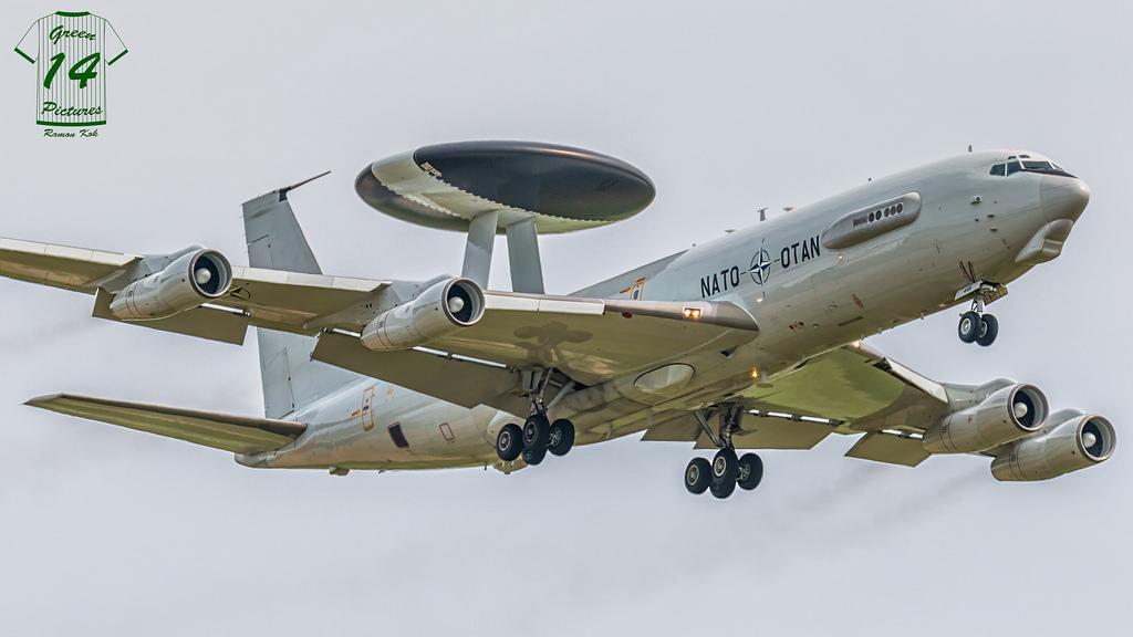 Boeing E-3 B awacs Heller 1/72 31857810
