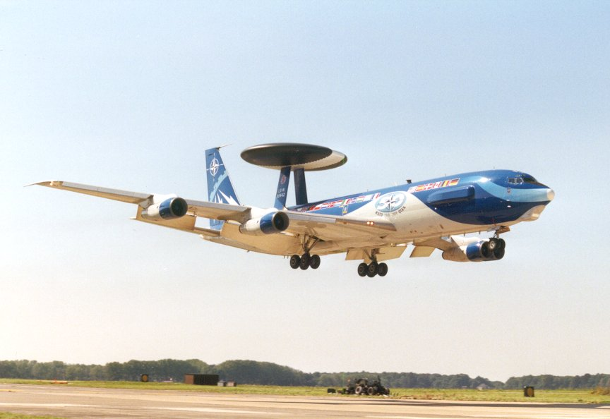Boeing E-3 B awacs Heller 1/72 Awacs10