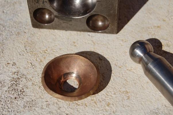 """Comment """"Chemiser"""" en argent  un corps de bague en laiton ,en cuivre... Dsc_6019"""