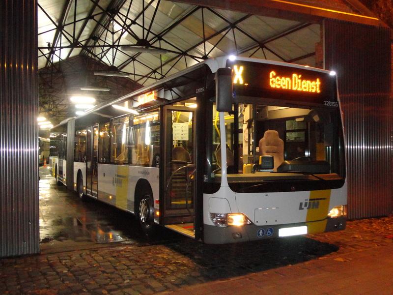 Cars et Bus de Belgique - Page 21 Dsc04610