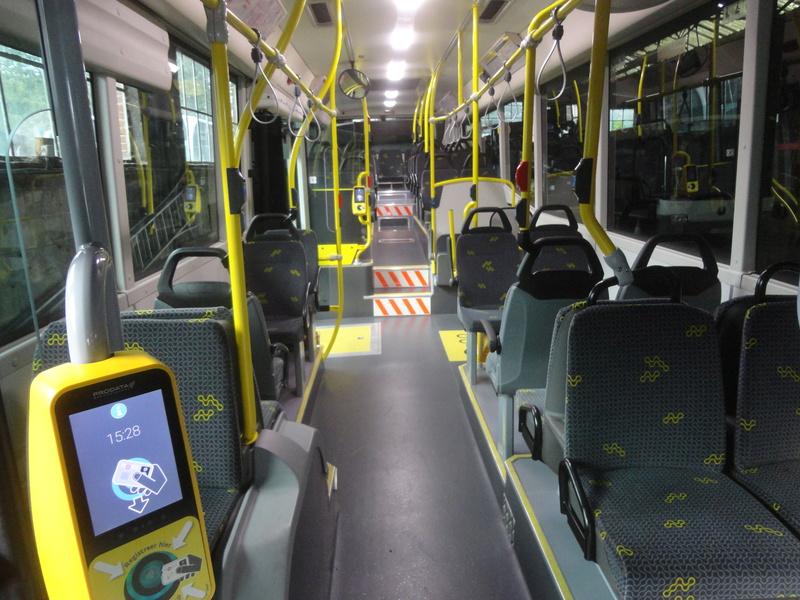 Cars et Bus de Belgique - Page 21 Dsc09210