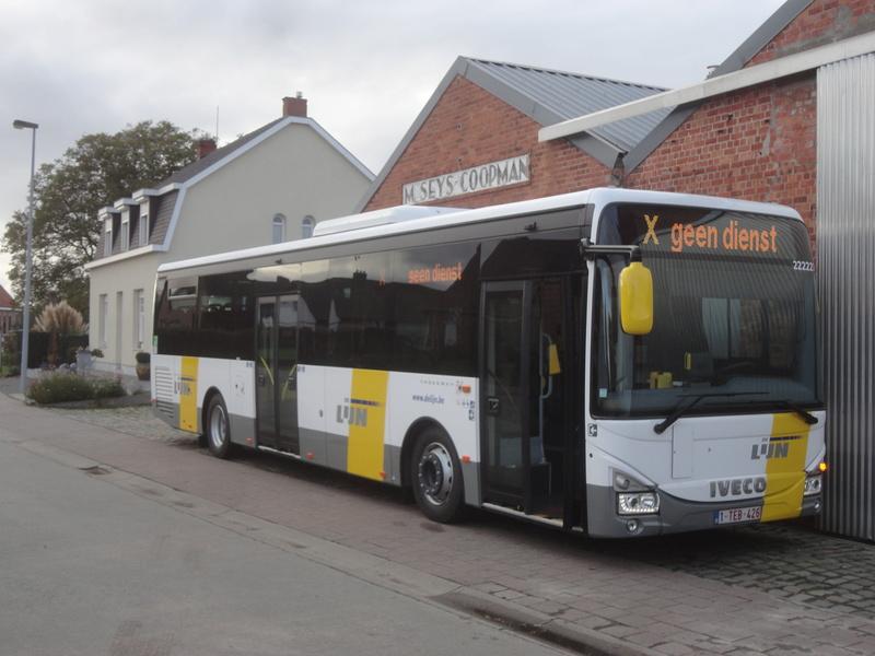 Cars et Bus de Belgique - Page 21 Dsc09211