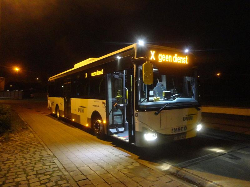 Cars et Bus de Belgique - Page 21 Dsc09212