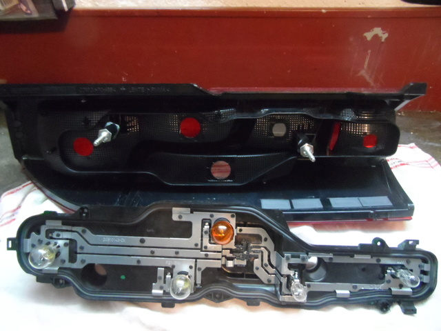 Ducato : accés aux feux arriéres....Tuto Sam_5011