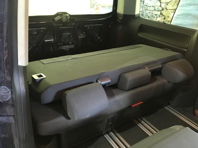Démontage complet espace AR d'un Multivan Confortline 2006 Bqt311